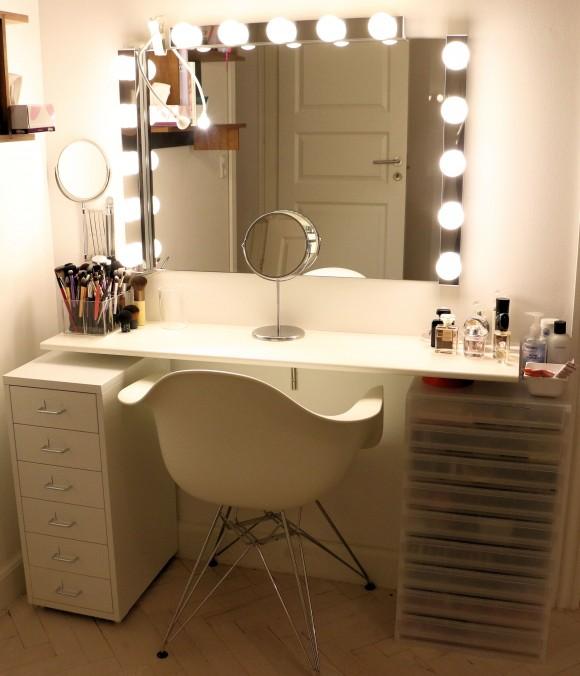 Sminkebord sminkestation vanity makeup opbevaring