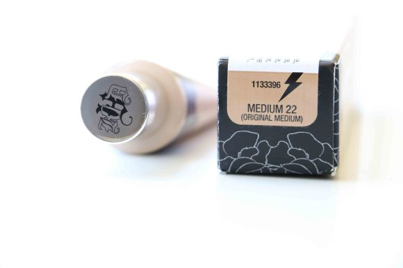 Kat von D lock-it tattoo concealer